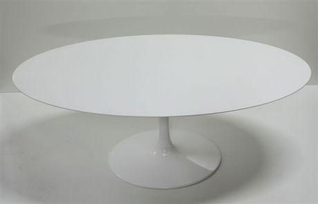 Tavolo e Sedie Tulip di Esedra by Prospettive Design Eero Saarinen ...