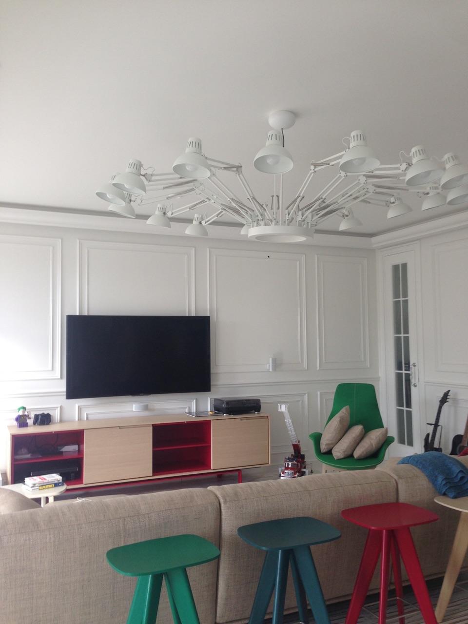 Arredatore interni zona giorno di un appartamento mosca for Zona living design