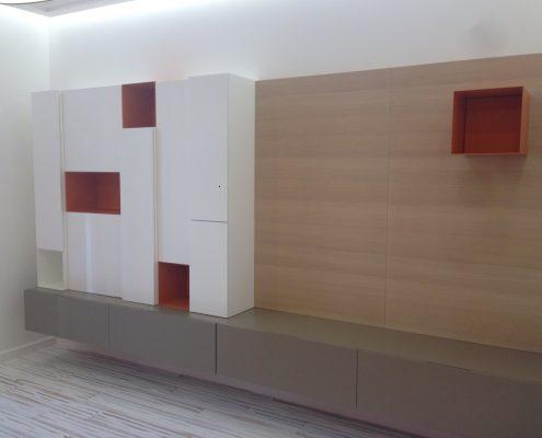 Arredatore interni zona giorno di un appartamento Mosca - zona giorno - zona living - pareti attrezzate modello Sintesi Design Carlo Colombo di Poliform
