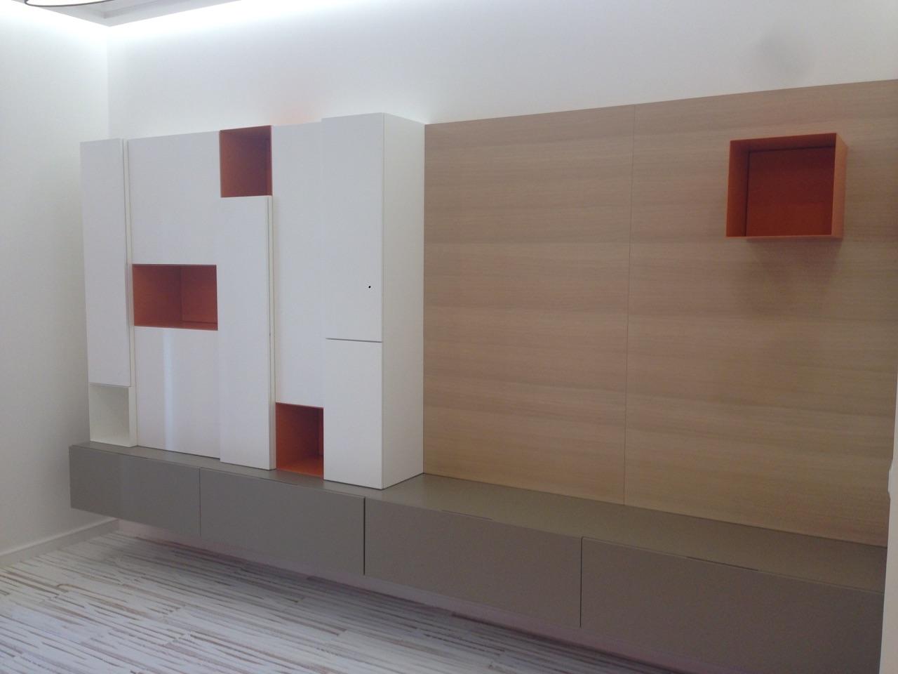 Arredatore interni zona giorno di un appartamento mosca zona giorno zona living pareti - Pareti attrezzate design ...