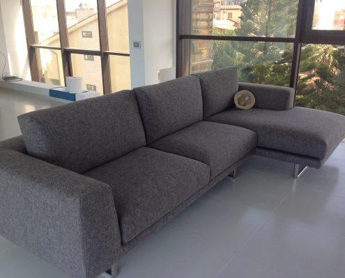 attico open space - divano modello Empire di Musa - zona living