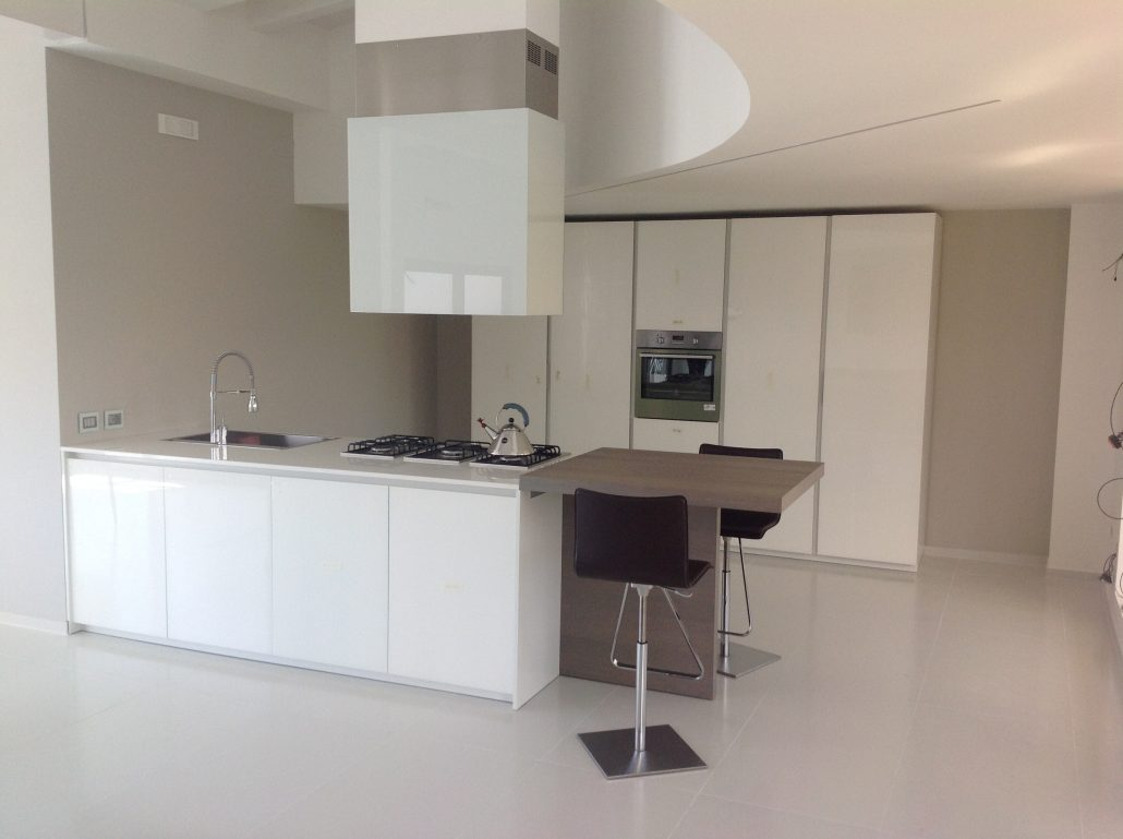 L 39 attico come arredare un attico zona living attico - Salotto cucina open space ...