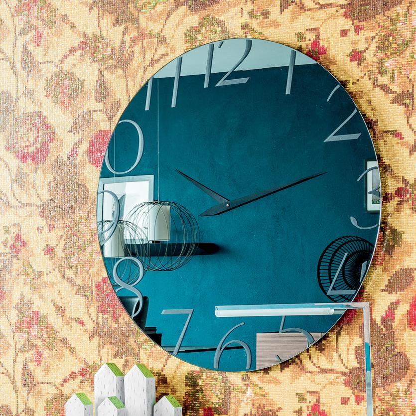 cattelan italia moment spiegel mit uhr design brogliato 7995 1 arredamento design. Black Bedroom Furniture Sets. Home Design Ideas