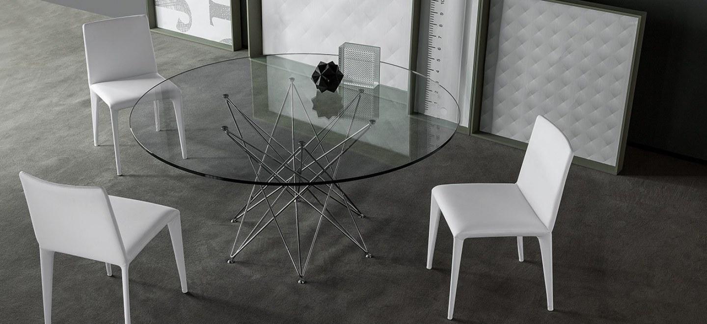 Tavolo octa di bonaldo design bartoli design arredamento for Tavolo cristallo rotondo design