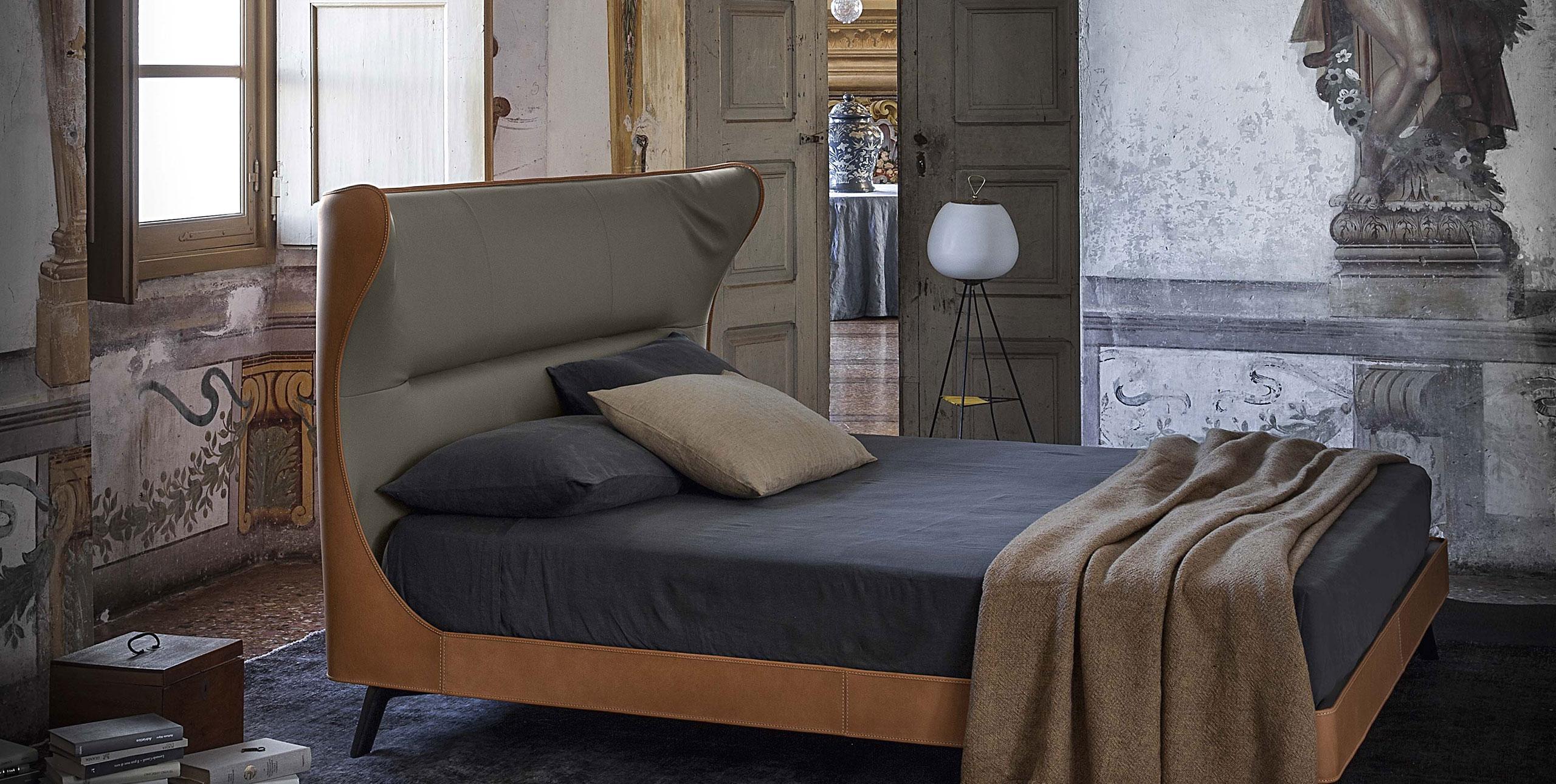 Letto Mamy Blue di Poltrona Frau Design Roberto Lazzeroni ...