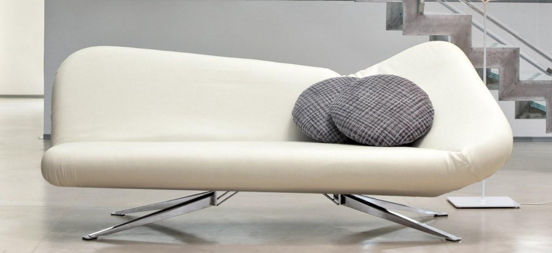 Divano Letto Matrimoniale Design.Divano Letto Papillon Di Bonaldo Design Centro Design Arredamento