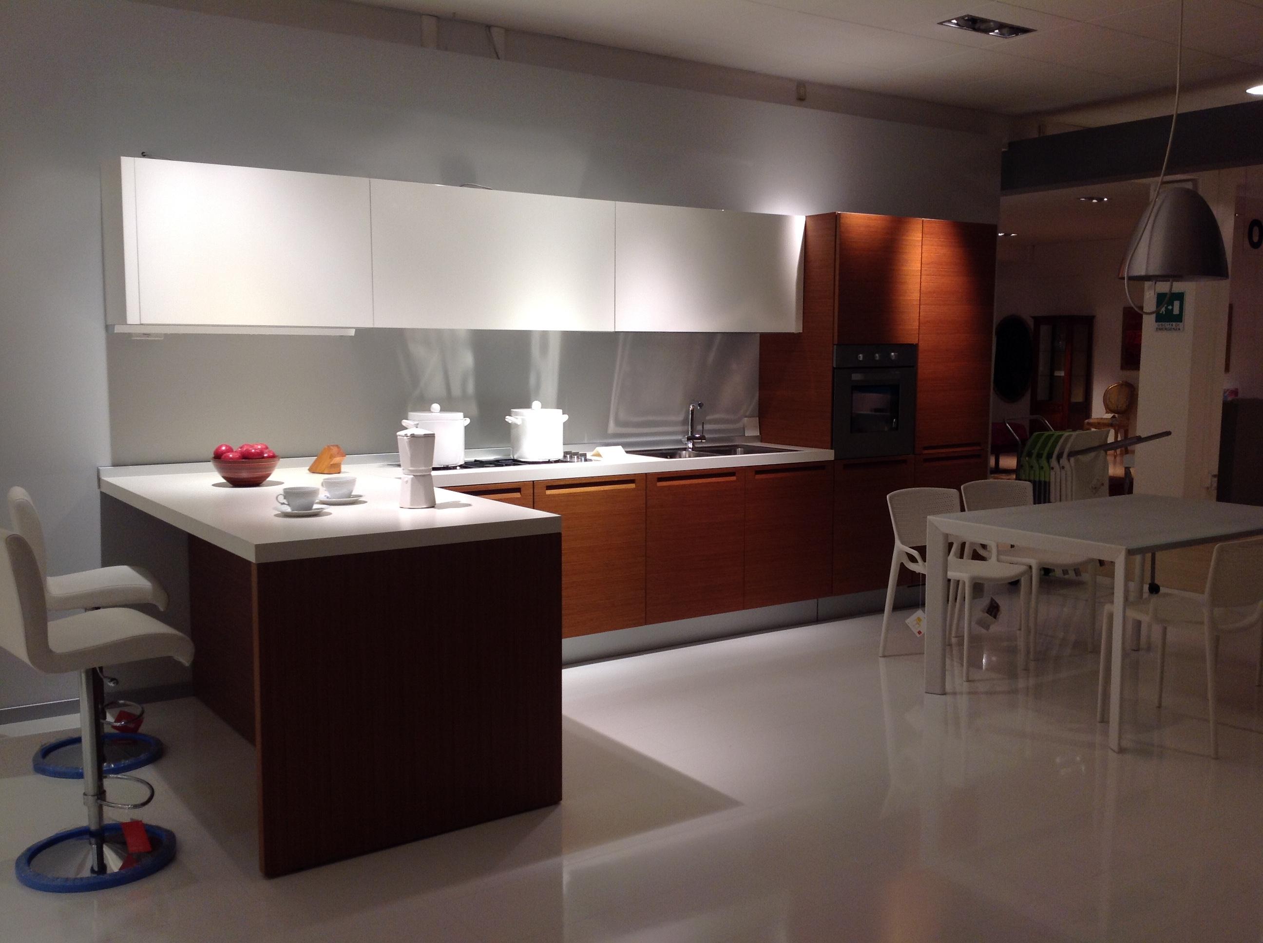 Cucina Minimal di Poliform Design CR&S Varenna - Arredamento & design