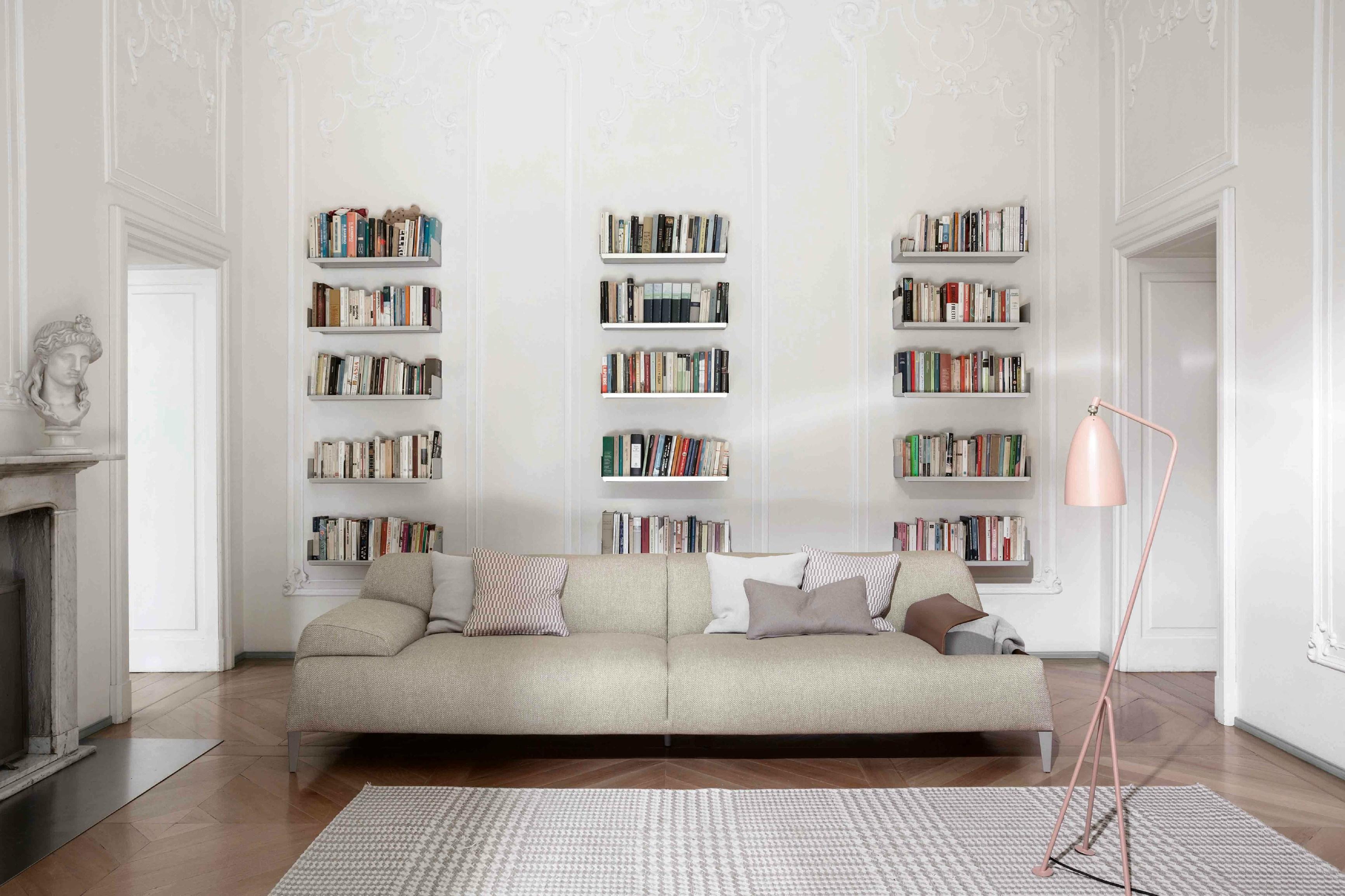 Divano cave di bonaldo design mauro lipparini arredamento design - Altezza quadri sopra divano ...