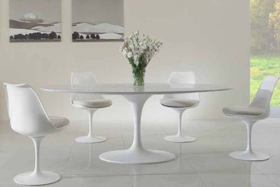 Tutti a tavola tavoli e sedie nel design arredamento for Sedie per tavolo tulip