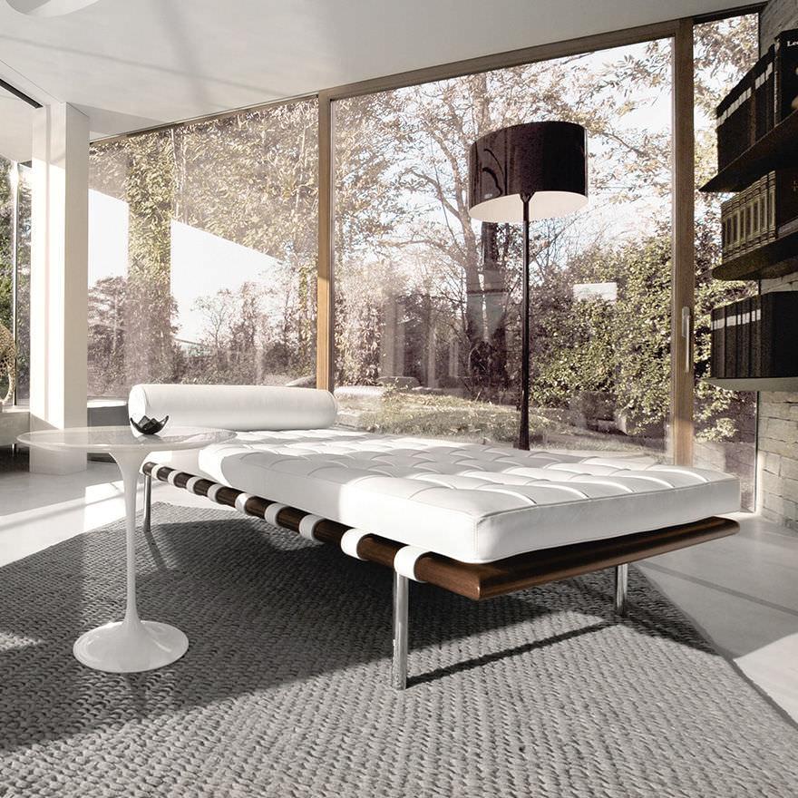 Divano barcelona di esedra by prospettive design van de rohe arredamento design - Letto barcellona ...